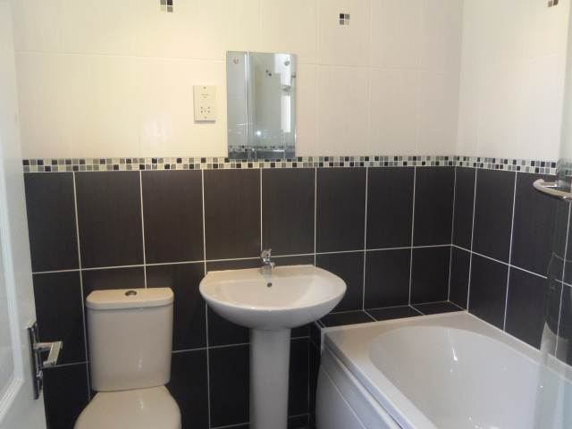 13 Newstead Bath_Scale640x480